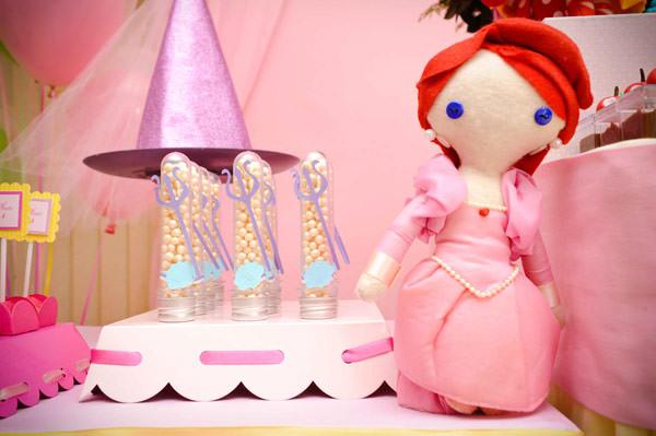 festa-princesas-rosa-decoracao-caraminholando-doces-nika-linden-fantasia-pacoca-08