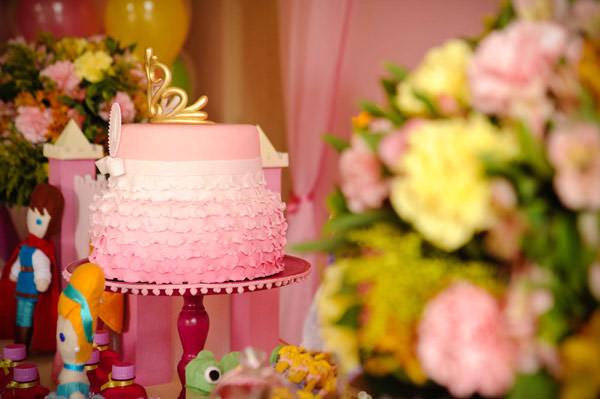festa-princesas-rosa-decoracao-caraminholando-doces-nika-linden-fantasia-pacoca-23