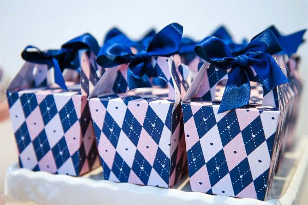 cha-bebe-rosa-azul-marinho-Dflor-14