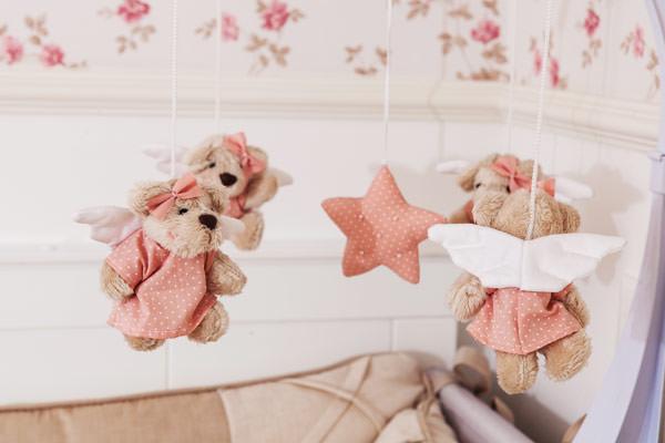 quarto-menina-rosa-floral-alexandra-abujamra-5