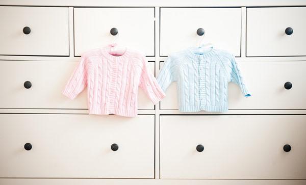 quarto-bebe-casal-gemeos-rosa-azul-06