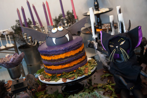 decoracao-festa-halloween-duas-gastronomia-bolo-piece-of-cake