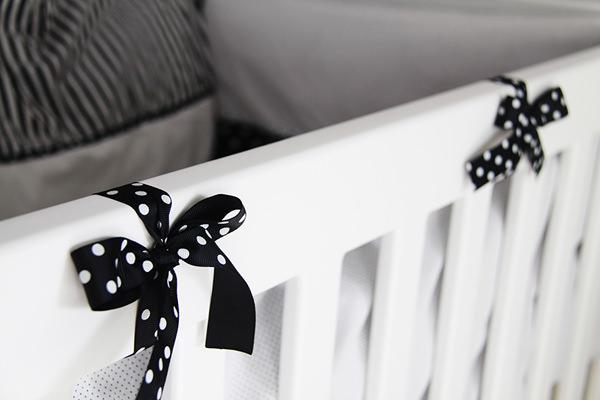 quartinho-bebe-branco-vermelho-preto-6