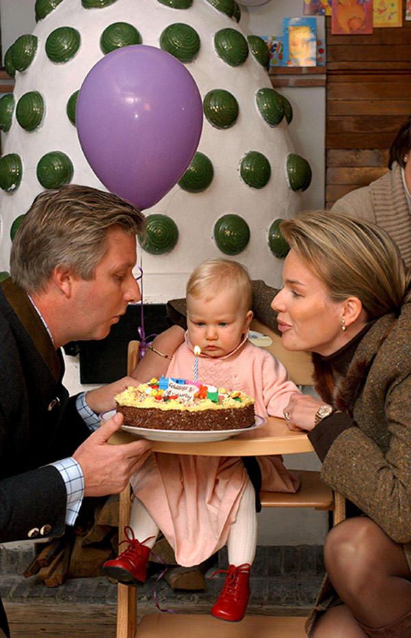 aniversarios-1-ano-de-realeza-elisabeth-05