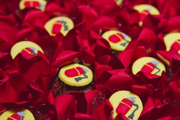 festinha-bombeiro-vermelho-preto-duas-gastronomia-06