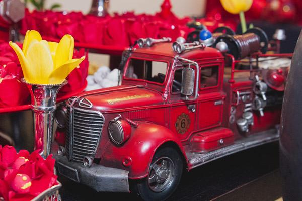 festinha-bombeiro-vermelho-preto-duas-gastronomia-09