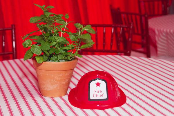 festinha-bombeiro-vermelho-preto-duas-gastronomia-13