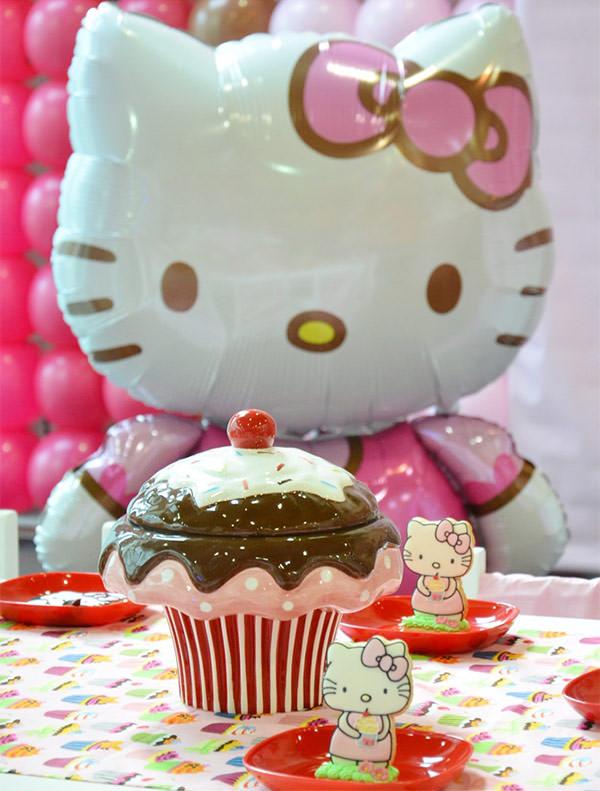 festinha-confeitaria-hello-kitty-happy-fest-camila-abrao-06