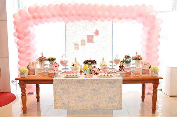 festinha-alice-no-pais-das-maravilhas-rosa-azul-elefante-colorido-01