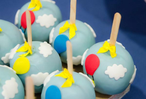 festinha-baloes-azul-lollis-07