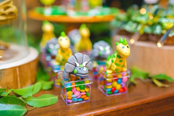 festinha-dinossauro-verde-dona-aranha-13