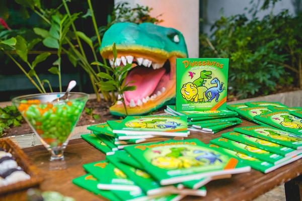 festinha-dinossauro-verde-dona-aranha-14