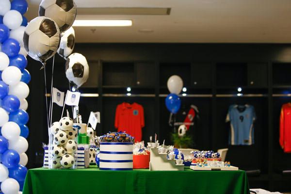 festinha-joca-futebol-club-azul-branco-07