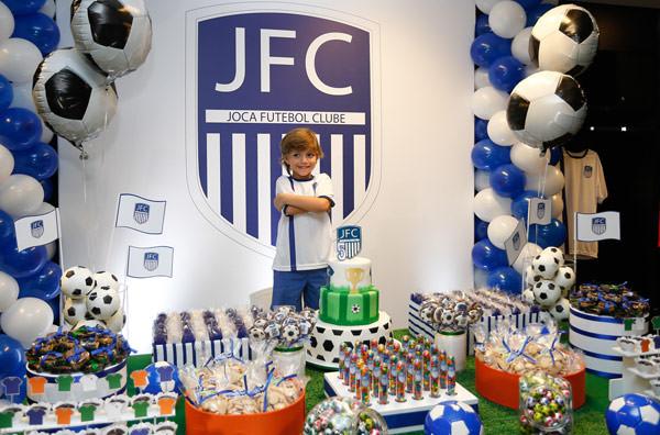 festinha-joca-futebol-club-azul-branco-15