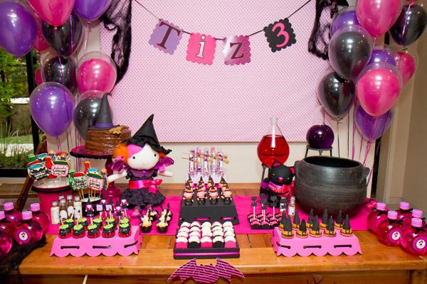 festinha-caraminholando-halloween-bruxa-pink-roxo-preto-02