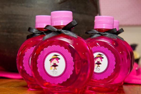 festinha-caraminholando-halloween-bruxa-pink-roxo-preto-10