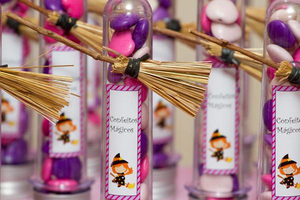 festinha-caraminholando-halloween-bruxa-pink-roxo-preto-11