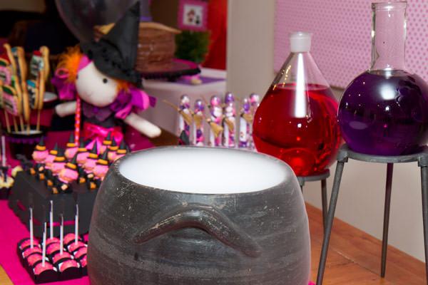 festinha-caraminholando-halloween-bruxa-pink-roxo-preto-14
