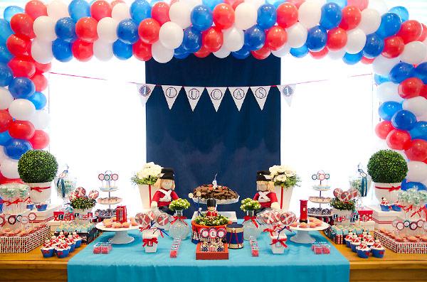 festinha-londres-vermelho-azul-branco-elefante-colorido-01