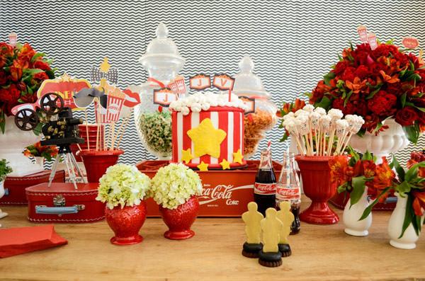 festinha-cineminha-em-casa-vermelho-branco-preto-chic-cerimonial-01