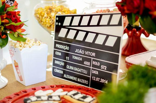 festinha-cineminha-em-casa-vermelho-branco-preto-chic-cerimonial-06