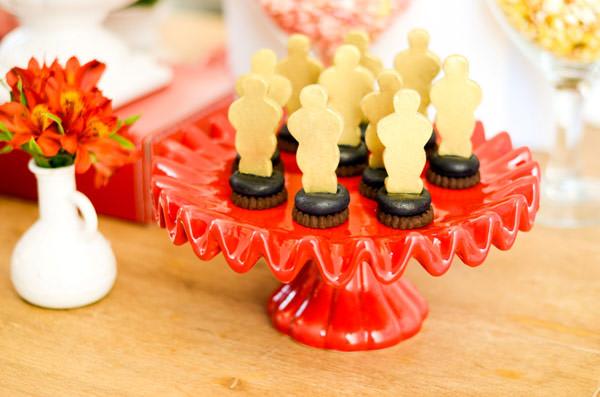 festinha-cineminha-em-casa-vermelho-branco-preto-chic-cerimonial-09