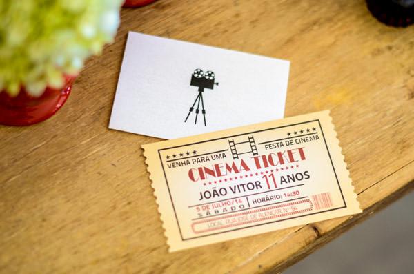 festinha-cineminha-em-casa-vermelho-branco-preto-chic-cerimonial-12