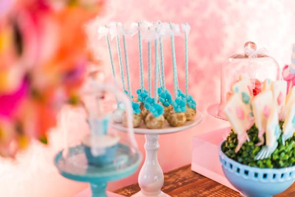 festinha-alice-no-pais-das-maravilhas-rosa-azul-decoracao-Pequenos-Luxos-06