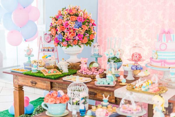 festinha-alice-no-pais-das-maravilhas-rosa-azul-decoracao-Pequenos-Luxos-07