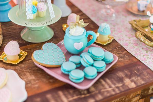 festinha-alice-no-pais-das-maravilhas-rosa-azul-decoracao-Pequenos-Luxos-09