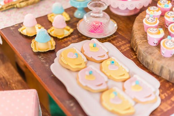 festinha-alice-no-pais-das-maravilhas-rosa-azul-decoracao-Pequenos-Luxos-11