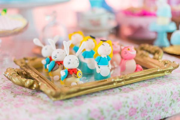 festinha-alice-no-pais-das-maravilhas-rosa-azul-decoracao-Pequenos-Luxos-17