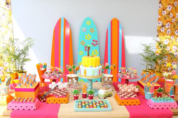 festinha-surf-rosa-laranja-azul-decoracao-caraminholando-02