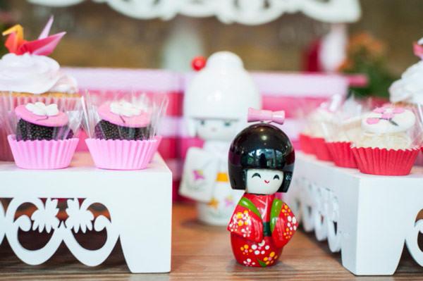 festinha-japonesinha-vermelho-branco-rosa-fotografia-amanda-costa-11