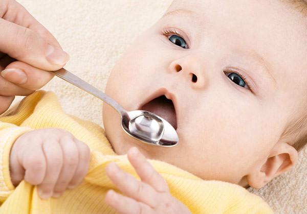 antibiotico-faz-mal-dentes-criancas-1