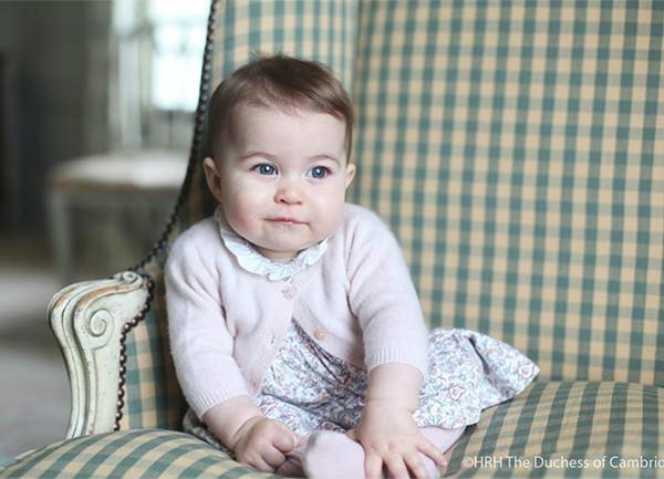 novas-fotos-da-princesa-charlotte-6-meses-01