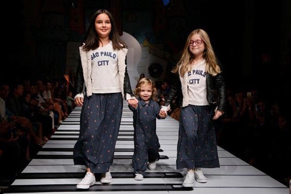 moda-infantil-desfile-cris-barros-fwk-1
