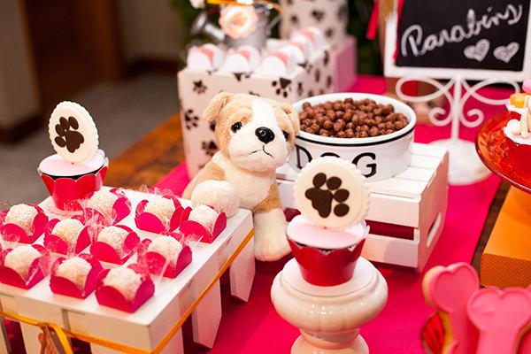 decoracao-aniversario-de-gemeas-com-tema-cachorrinho-adriana-porto-4
