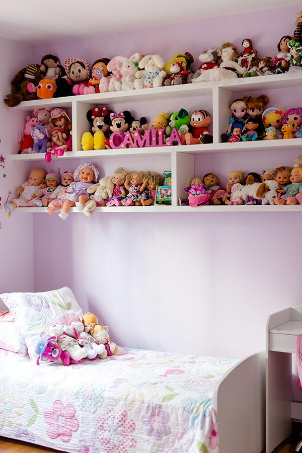 Quartinho de menina decorado com bonecas