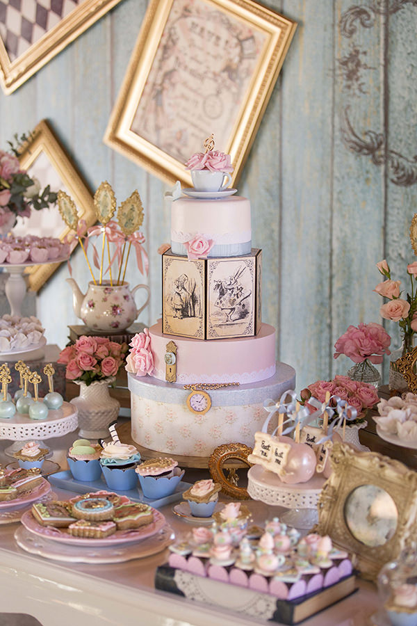 decoracao-festa-infantil-invento-festa-aniversario-alice-no-pais-das-maravilhas3
