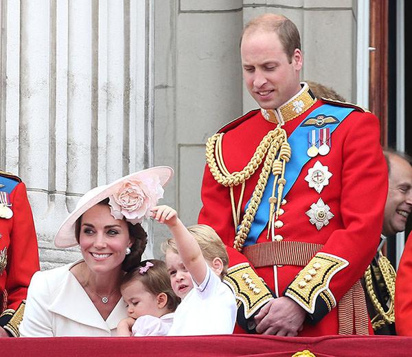 princesa-charlotte-principe-george-90-anos-rainha