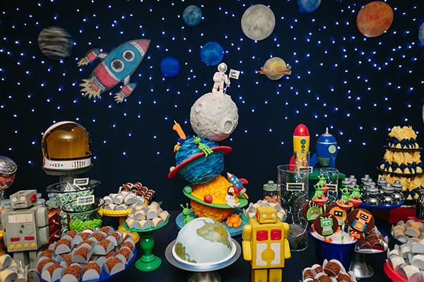 Aniversário com tema espaço sideral