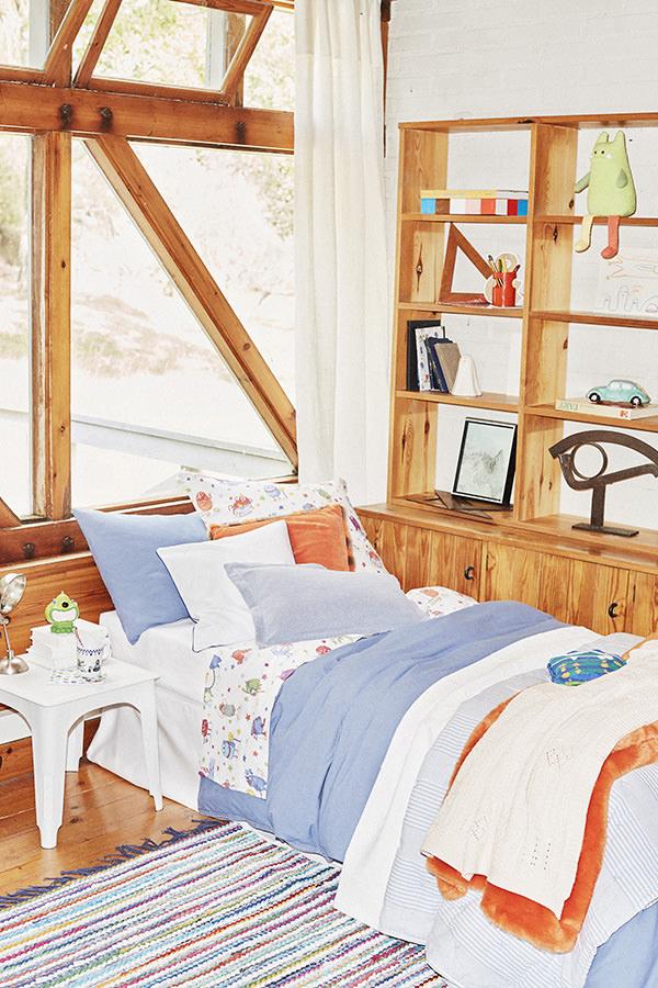 zara home aposta em monstrinhos para meninos e flores para meninas. Black Bedroom Furniture Sets. Home Design Ideas