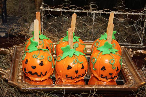 festinha-ella-arts-tema-hotel-transylvania-halloween-tais-puntel-10
